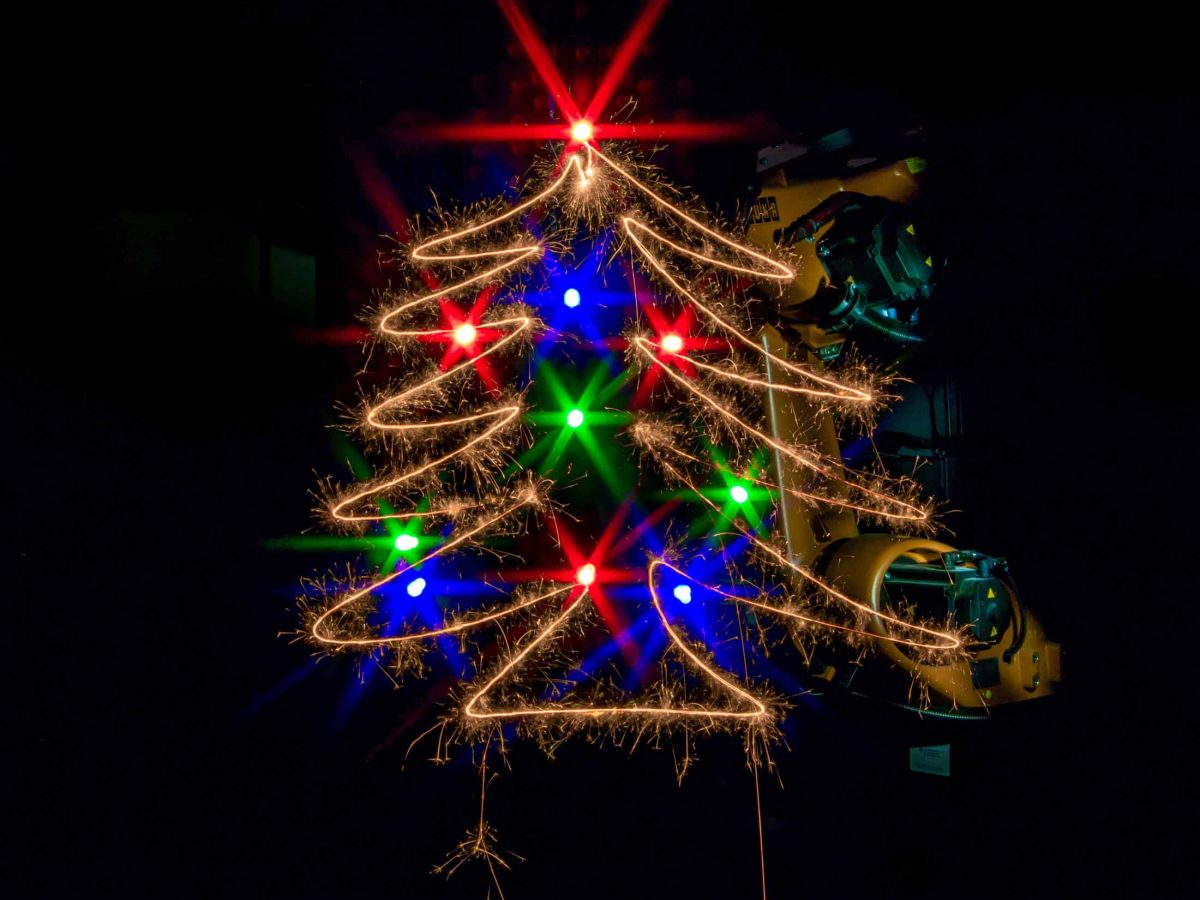 X-Mas tree Light Painting with robot