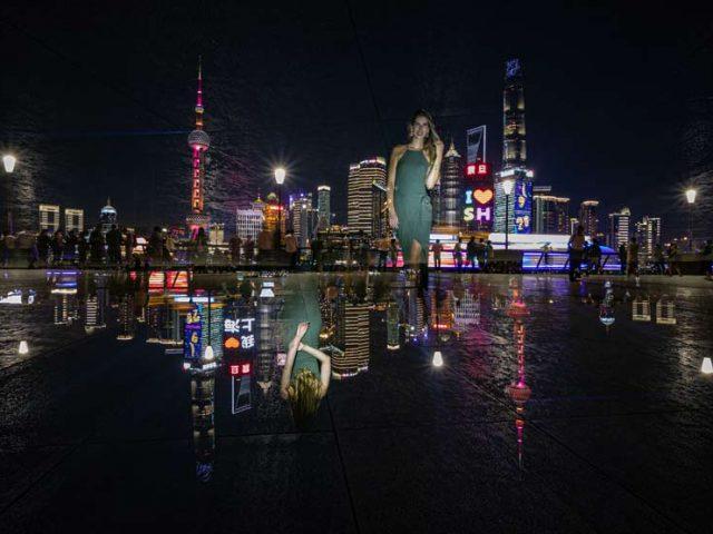 Camera Rotation of Lisa at the BUND in Shanghai